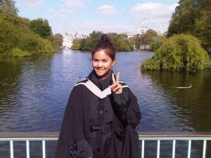 Khun Sea's graduation in London