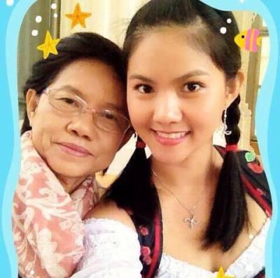 Khun Sea and Khun Mae (Mum)