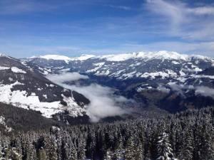From Angthong, Thailand to Innsbruck, Austria