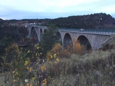 Svinesund สะพานเก่า เชื่อม ระหว่างประเทศนอร์เวย์ และ ประเทศสวีเดน