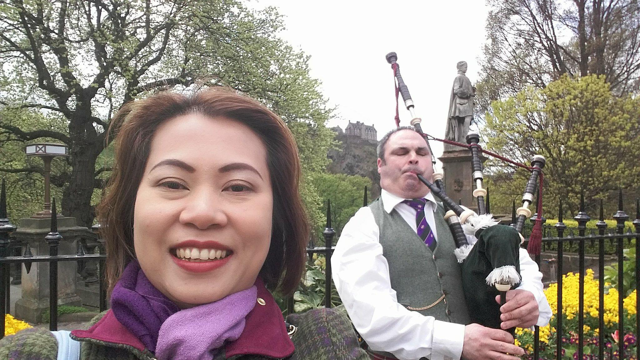 การทำงานและหาความรักในประเทศสก๊อตแลนด์